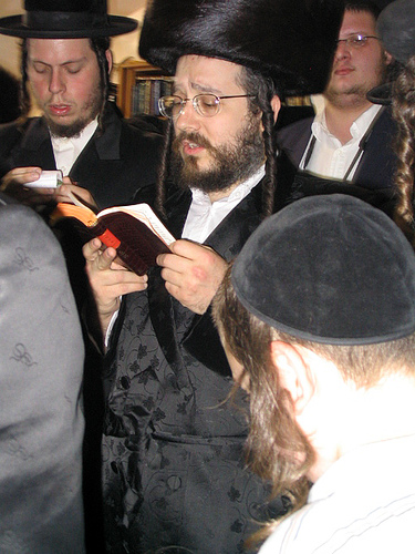 "at the grave of Rebbe Shimon Bar Yochai zya in Meiron together with the Biala Rebbe, shlit""a"